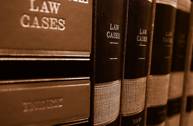 Usługi prawnicze w praktyce, czyli ile prawnik bierze za sprawę?