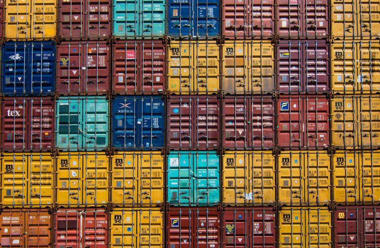 Kontenery morskie – kompendium informacji o transporcie kontenerowym