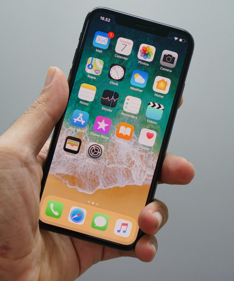 Smartfon Apple iPhone 11 128GB Czarny